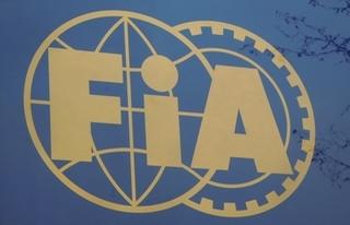 © FanF1 / Warwick revient aider la FIA
