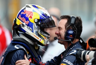 © GEPA - Le casque porté par Vettel en Chine trônera désormais dans la collection de Rubens Barrichello