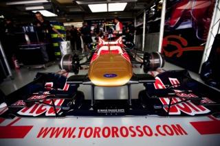 © GEPA - Les pilotes Toro Rosso sont ravis de leurs performances avec les intermédiaires