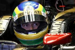 © Lat / Il n'y a pas que les couleurs du casque qui se confondent entre Bruno et Ayrton...