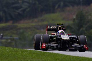 (c) Lat / Une course solide de Petrov.