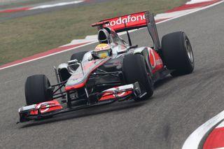 © McLaren - La MP4-26, à Shanghai avec Hamilton sur cette photo, sera utilisée pour Pirelli d'ici quelques semaines