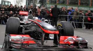 (c) La McLaren MP4-26 lors de son dévoilement à Berlin