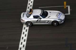 (c) Mercedes / McNish travaillera pour la FIA ce week end