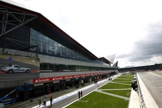 © Mercedes GP - The Wing en fond pour les essais des jeunes pilotes en 2012 ?