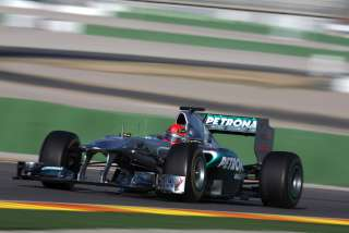 (c) Mercedes GP - Schumacher avait les crocs aujourd'hui en course. L'allemand a assuré une partie du spectacle.