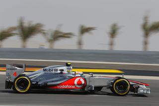 © McLaren - Il faut faire monter les pneus en température...