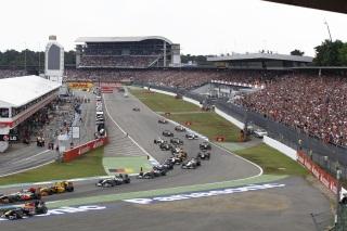 © Mercedes AMG - La fin du célèbre Stadium