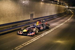© Red Bull - Coulthard reprendra le volant d'une Red Bull dans les rues de Marseille