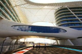 © Sutton - Abu Dhabi, le magnifique !