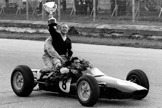 © DR - Un tour d'honneur empli de joie pour Chapman et Clark sur la Lotus 25