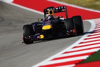 © GEPA - Vettel pas prêt de tomber de sa monture...