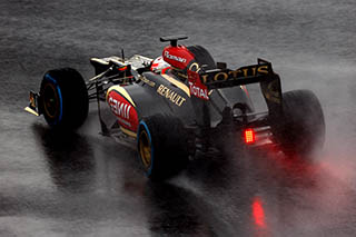 © LAT - La pluie n'aura pas porté chance à Romain Grosjean