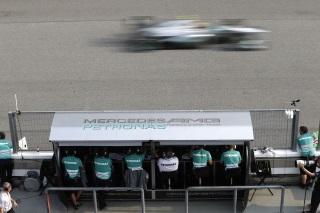 © Mercedes - Lewis et Nico souffrent mais espèrent