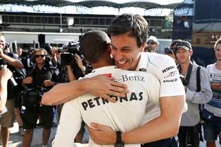 Lewis Hamilton fait la joie de sa nouvelle écurie