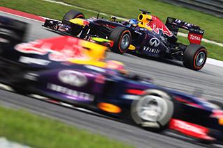 © Pirelli : Les deux pilotes Red Bull ont imposé leur rythme