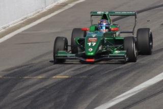 © C. Sellier / Fan-F1 - Aurélien Panis au volant de sa Formule Renault 2.0 aux couleurs Caterham à Spa le week-end dernier