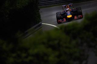 © GEPA - Vettel parviendra-t-il à rivaliser avec les Mercedes ?