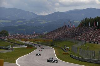 © Mercedes - Les Mercedes dominent même les montagnes styriennes !