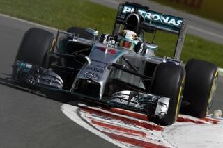 © Mercedes - Hamilton est devant mais n'a pu finir sa séance
