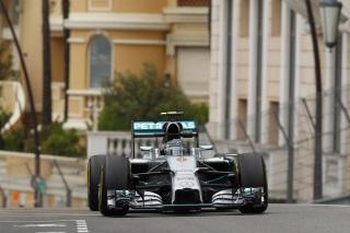 © Mercedes - Rosberg parviendra-t-il à arrêter la série en cours de Lewis Hamilton ?
