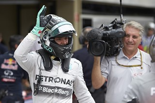 Nico Rosberg met fin à la série de victoires de Lewis Hamilton