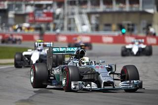 © Mercedes - Williams vise les Flèches d'Argent pour 2015