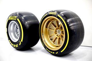 f1 pirelli pr t introduire les pneus de 18 pouces d s. Black Bedroom Furniture Sets. Home Design Ideas