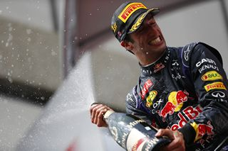 © Pirelli : Ricciardo a battu les Mercedes, malgré quelques problèmes moteurs
