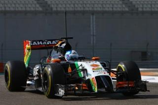 © Sutton - Palmer dans la Force India lors des essais d'Abu Dhabi 2014 de F1