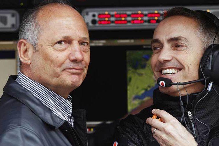 © Sutton - Ron Dennis a court-circuité Martin Withmarsh en plaçant Kevin Magnussen dans le baquet de Sergio Pérez.