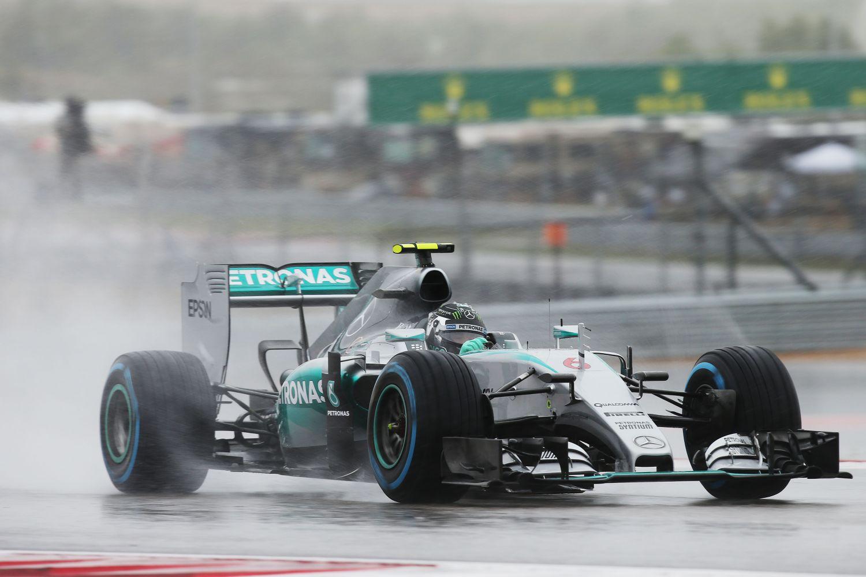 © Mercedes - Pirelli veut mieux connaitre ses pneus pluie