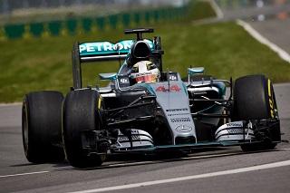© Mercedes - Hamilton entame parfaitement bien son week-end