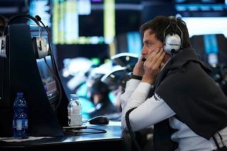 """Mercedes va """"prendre son temps"""" pour remplacer Rosberg, Ocon déjà hors-course"""