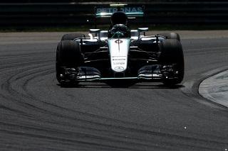 © Mercedes - Rosberg seulement 2ème en Hongrie