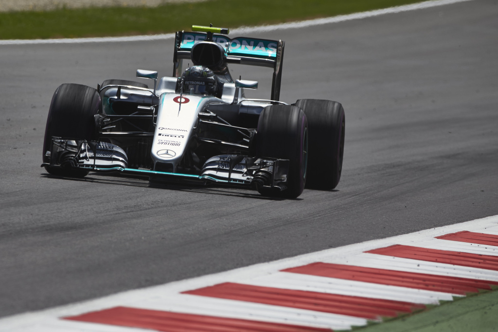 © Mercedes - Rosberg signe le meilleur temps des EL2