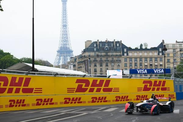 © DS Virgin Racing Formula E Team - Sous l'oeil de la Tour Eiffel, Sam Bird réalise une performance de premier plan avec cette Pole-position !