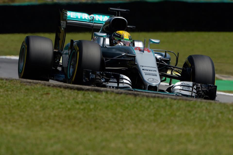 © Mercedes - Hamilton gagne son premier Grand Prix du Brésil !