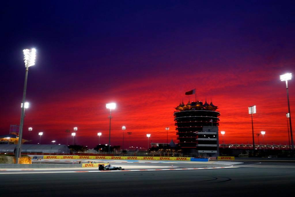 © Mercedes - Lewis Hamilton remportera t-il son premier Grand Prix de la saison dans la nuit de Sakhir ?