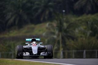 © Mercedes - Hamilton a dominé son équipier