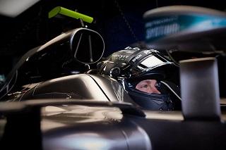 © Mercedes - Nico Rosberg a tenu sous la pression et la tactique de Lewis Hamilton