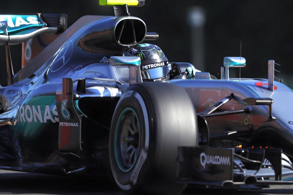 © Mercedes - Nico Rosberg tout en haut en Belgique ; derrière lui, que de rebondissements !