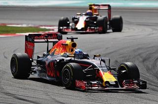 © Red Bull - Doublé Red Bull à Sepang