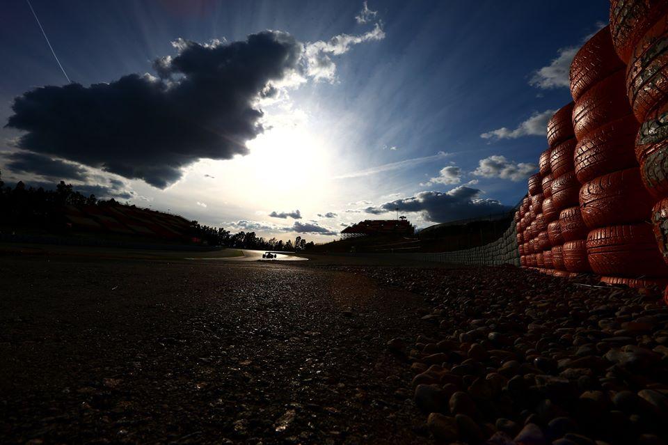 © Toro Rosso - Hamitlno et Vettel s'élancent en première ligne