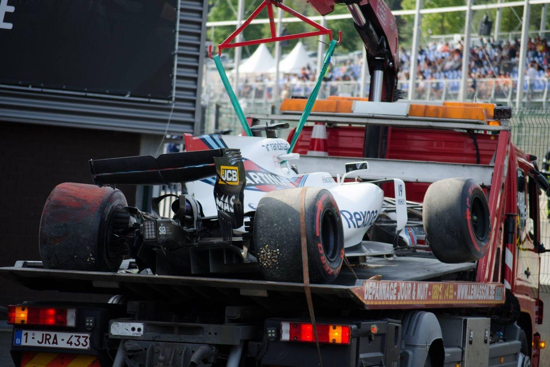 Gros impact pour Felipe Massa à Spa