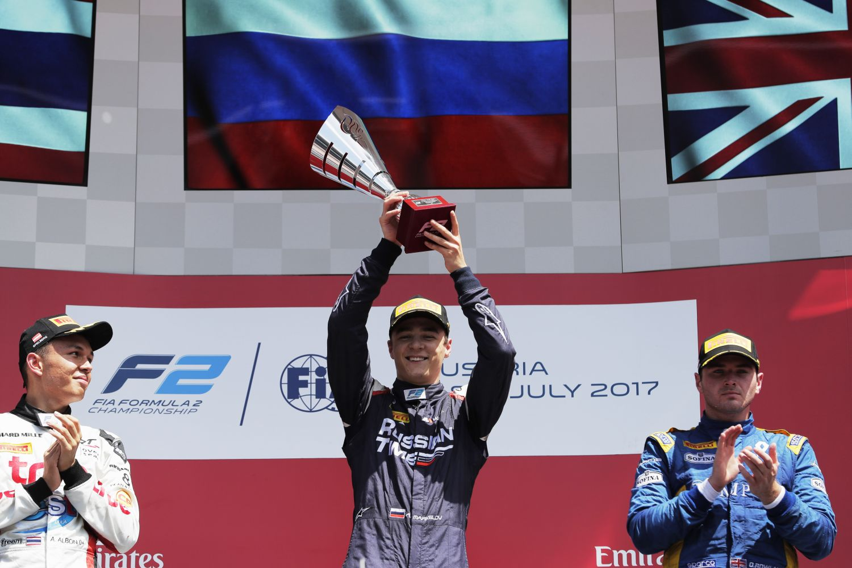 Alex Albon a signé son premier podium en F2