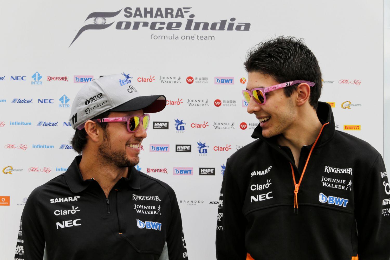 © Force India - Grands sourires pour Sergio Perez et Esteban Ocon à l'issue de la course