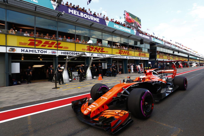 © McLaren - Stoffel Vandoorne a dû repasser deux fois par les stands au cours de la séance