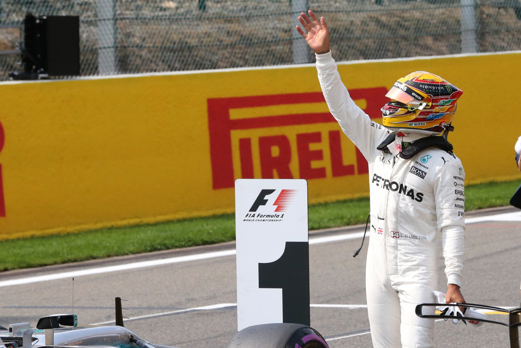 Japon - Qualification : Hamilton, impérial, explose le record de la piste