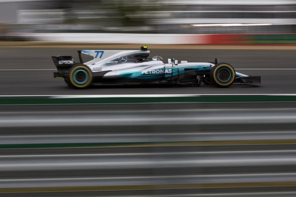 © Mercedes - Bottas devance Hamilton